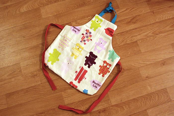 patron couture tablier bebe