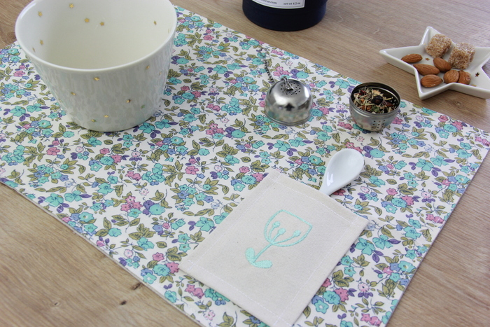 Le Set De Table Brod Broderie Offerte Lalouandco