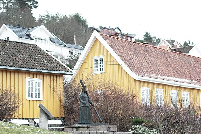 drobak-norvege-scandinavie-maison-jaune