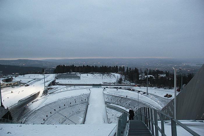 holmenkollen-Holmenkollbakken-norvege-trempli-ski-nuit