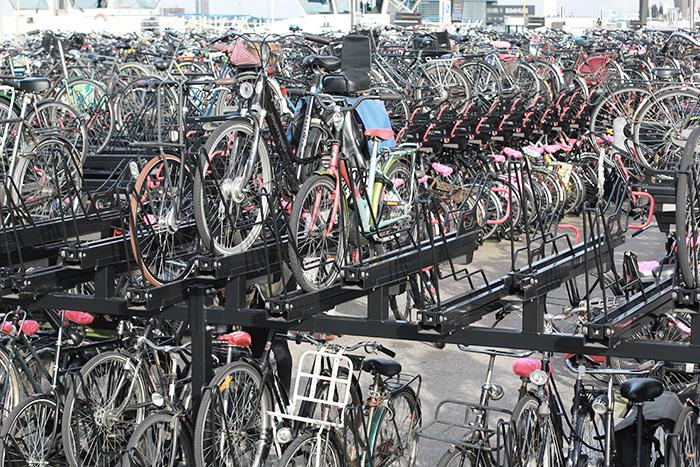 amsterdam-cityguide-lalouandco-parking-velos