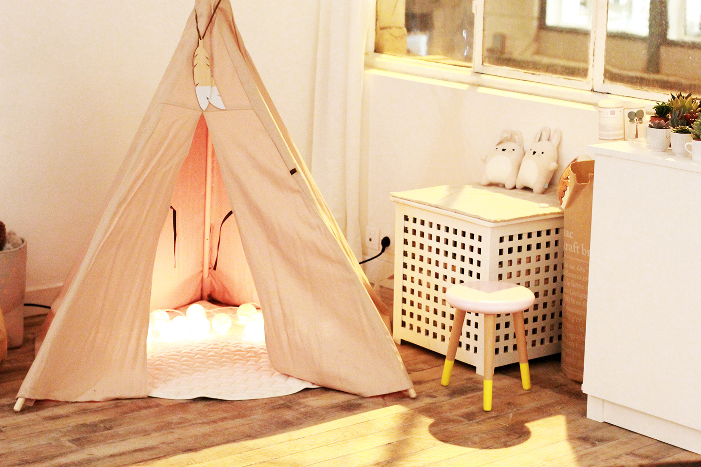 french-blossom-showroom-concept-store-rennes-tipi